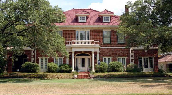 Photo of the historic Eugene Edge home in Bryan Texas